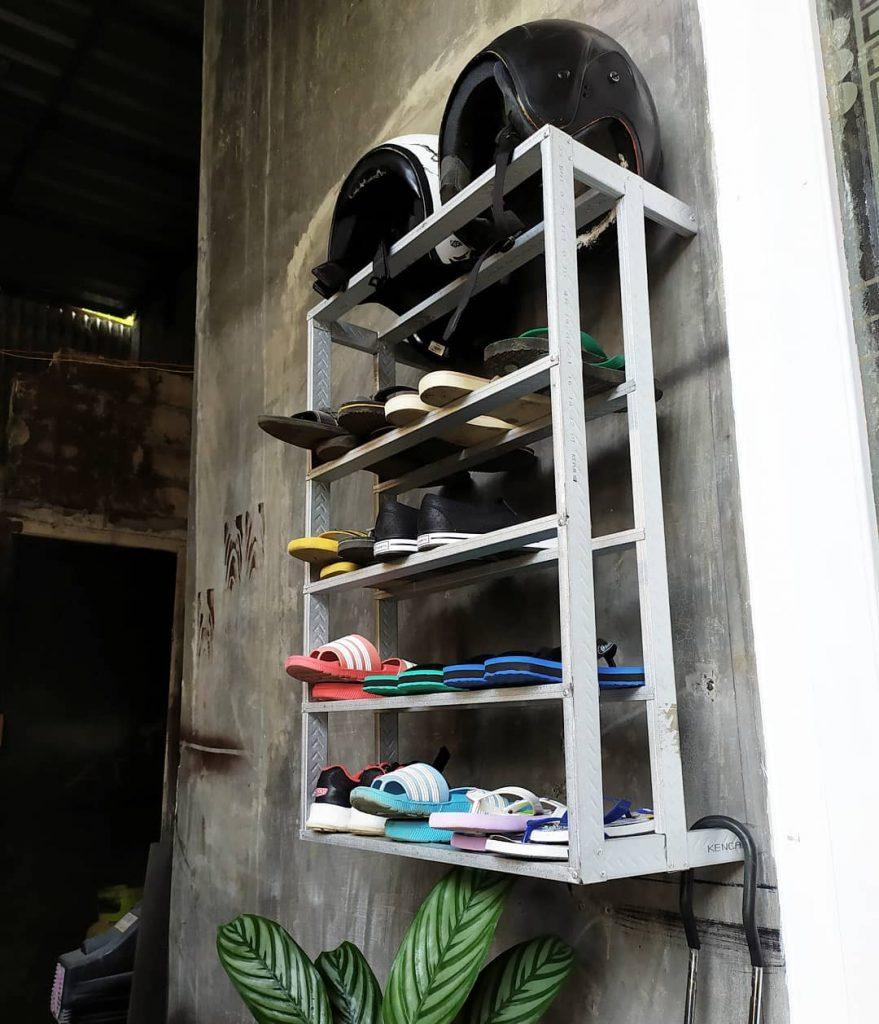 Rak Sepatu Baja Ringan